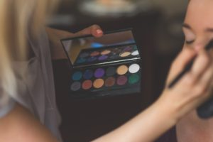 emprender maquillando